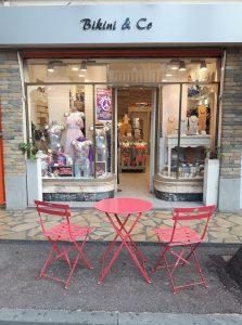 Notre boutique Concept store situé au coeur de la ville de Juan les pins, bijoux fantaisie, bijoux de créateur, made in France, Antibes Juan les pins